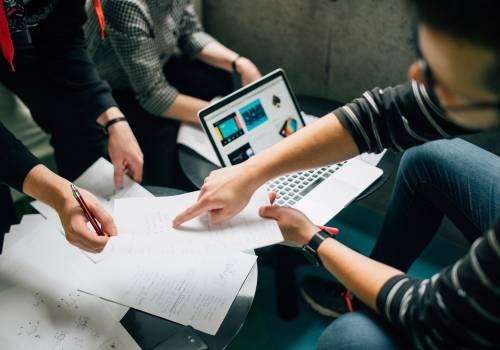 Des collaborateurs heureux sont des salariés impliqués et motivés pour dépasser leurs objectifs
