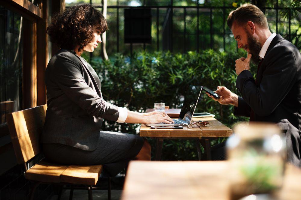 Ne pas perdre contat avec l'ensemble de l'équipe malgré le digital et le télétravail grâce aux outils