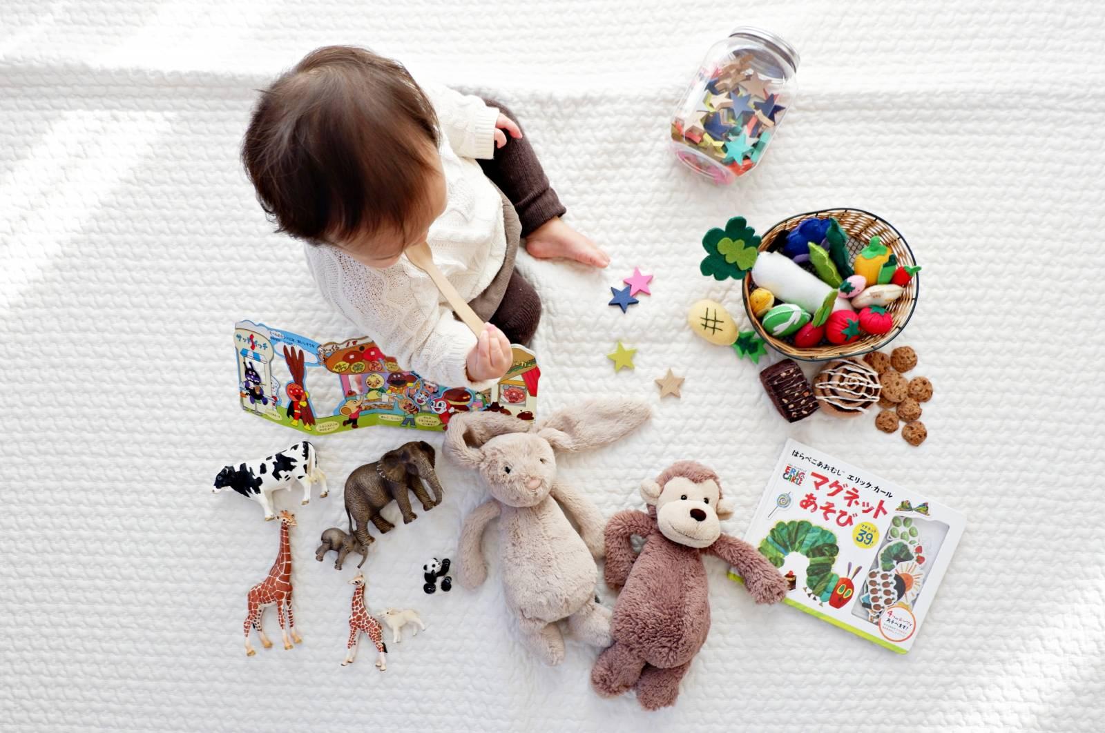Bientôt parents ? Quelles démarches à effectuer pour inscrire votre enfant en crèche ? Quel est le coût d'une place ? Quand commencer l'inscription ?
